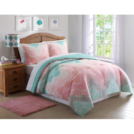 Antique Lace Chevron Rainbow Comforter